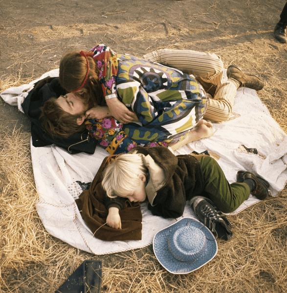 Bill owens photograph hippy family Psicodelia, virtuosismo y glamour